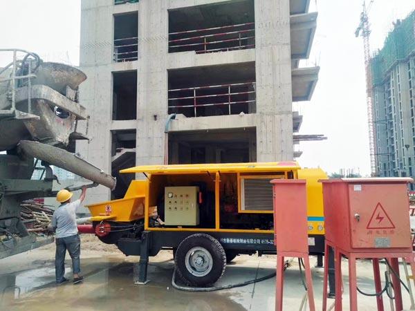 Máy bơm bê tông Trailer đang hoạt động ở Philippines