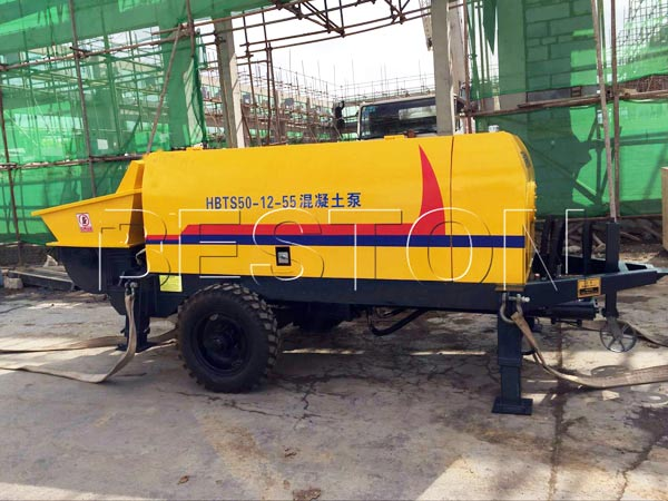 Portable concrete pump in cramped place