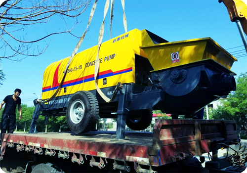 concrete pump delivering