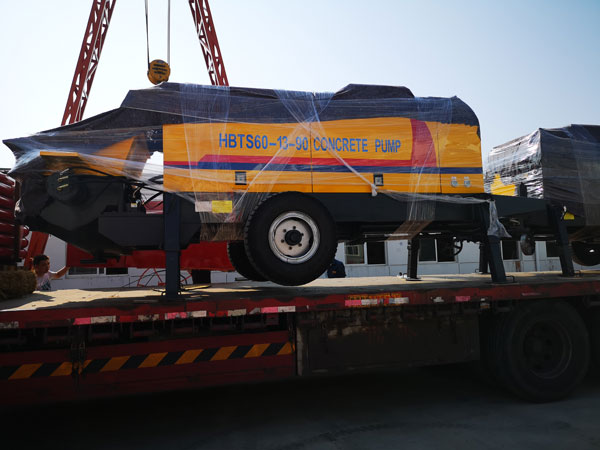Loading Concrete Pump Machine