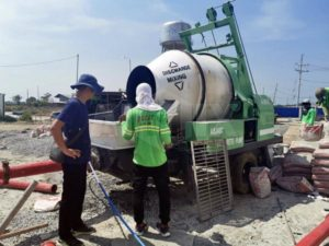 diesel concrete mixer pump working
