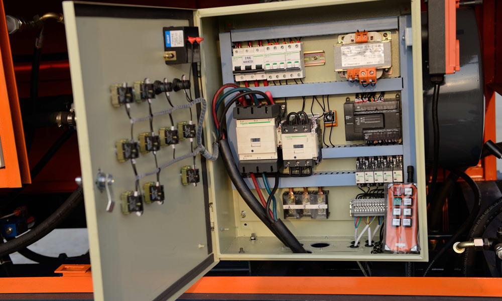 Электрическая система управления
