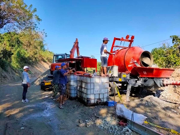 Concrete Mixer Pump Working for Road Construction