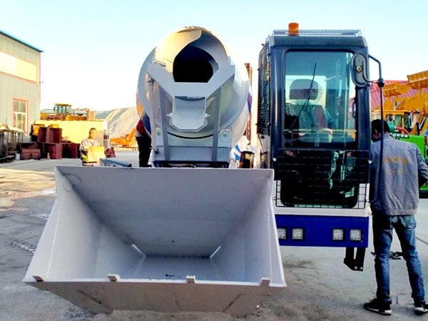Self Loader Mixer in Factory