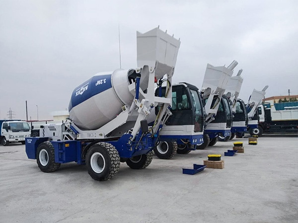 AS-3.2 Self Loading Mixer