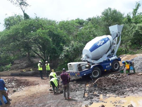 AIMIX Self Loading Mixer Working in Tanzania