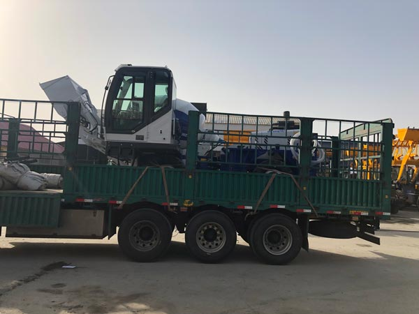 Transporting AS-1.2 Self Loading Mixer