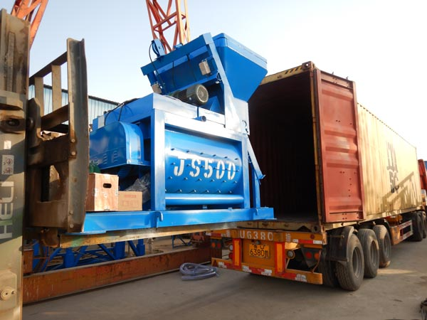 Transporting Concrete Mixer