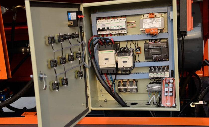 Electric Control System of Concrete Pump